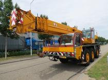 Zona comercial Derks Trucks BV
